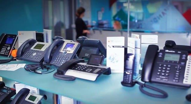 Традиционная АТС и виртуальная АТС в офисе