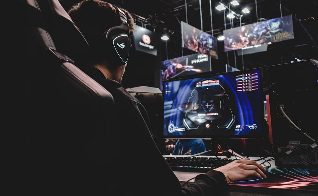 Онлайн-бустеры — это услуги профессиональных геймеров